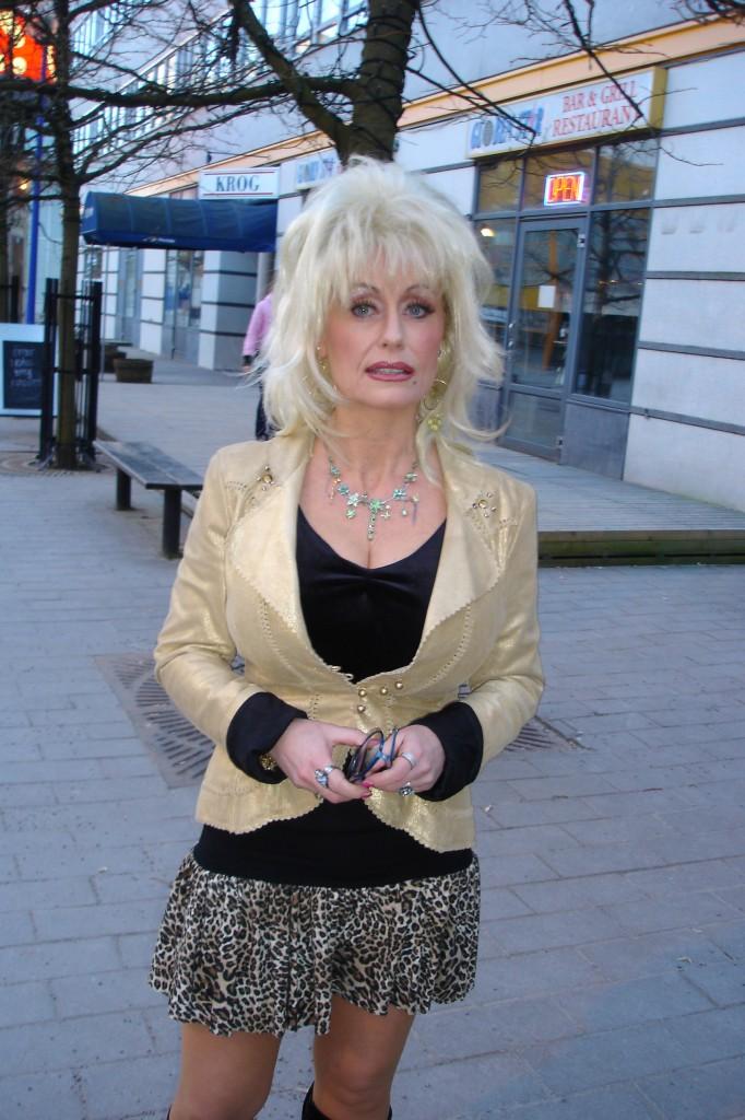 Dolly utanför Globen